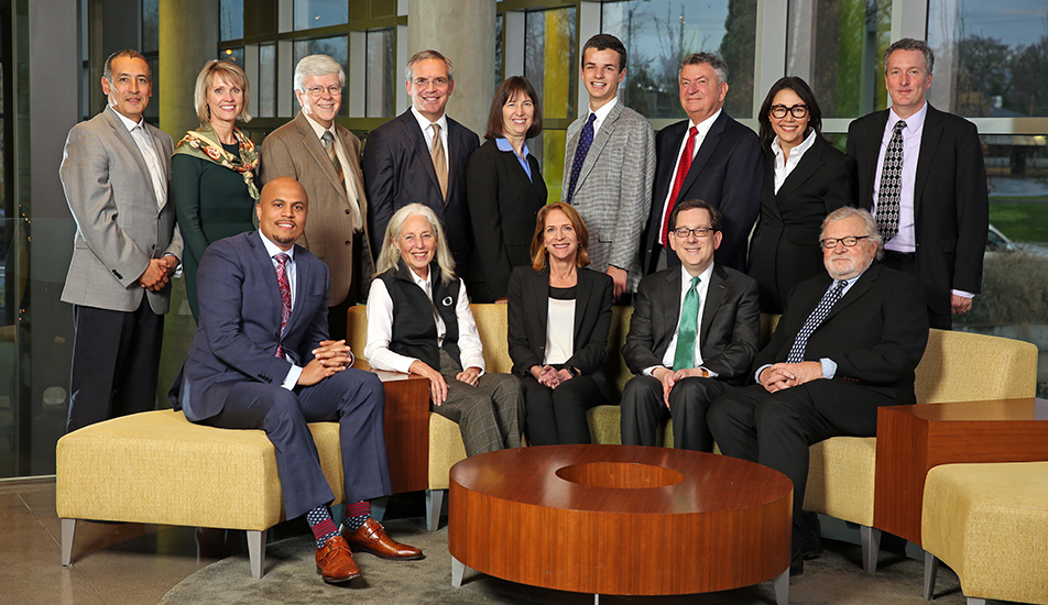 Members of the Board of Trustees of the University of Oregon
